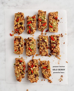 Goji Berry Peanut Butter Granola Bars Recipe