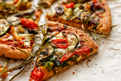 Grilled-Vegetable-Pizza-400x267